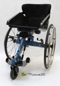 TraceS - Le fauteuil roulant à trois roues avec coque carbone